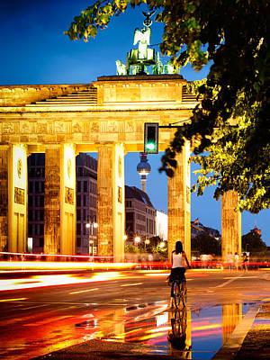 Street Photograph - Berlin - Brandenburg Gate At Night by Alexander Voss