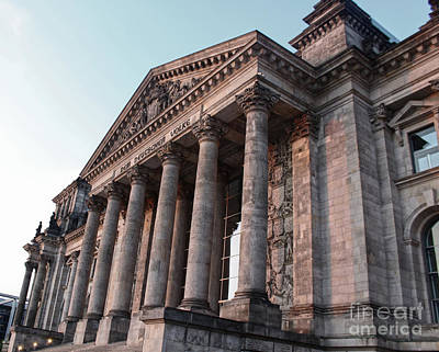 Berlin - Reichstag - Front - 02 Art Print by Gregory Dyer
