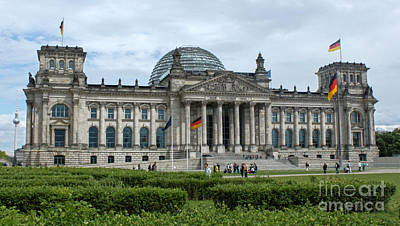 Berlin - Reichstag Front Art Print by Gregory Dyer