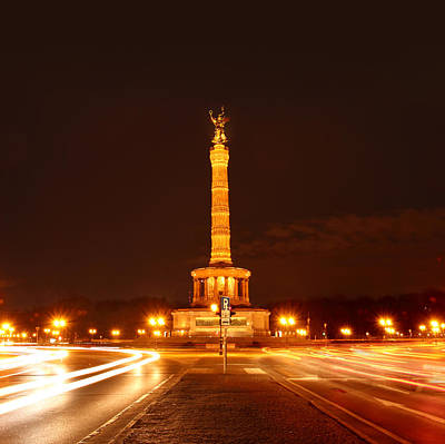 Photograph - Berlin - Victory Culumn by Marc Huebner