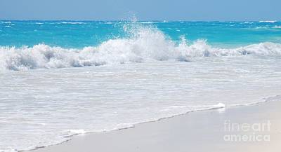 A Wave From Bermuda's South Shore Art Print