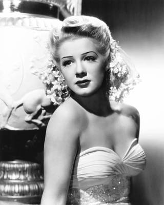Betty Hutton, 1945 Art Print by Everett