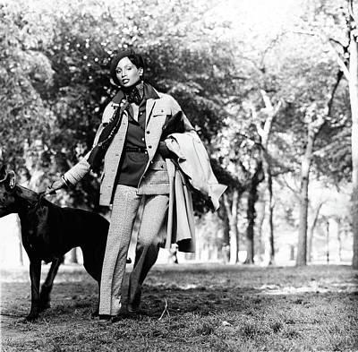 Beverly Johnson Wearing A Pantsuit Art Print