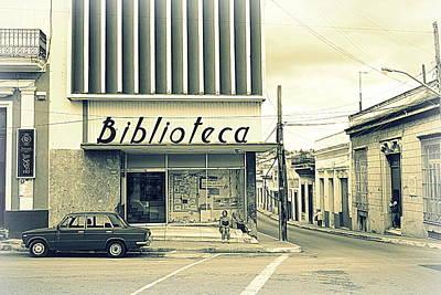 Photograph - Biblioteca Cubana by Valentino Visentini