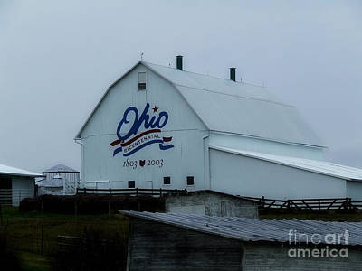 Photograph - Bicentennial Barn Ohio by Scott B Bennett