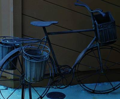 Morro Bay Ca Photograph - Bicycle Sculpture On Display by Jan Moore