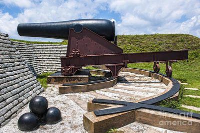 Photograph - Big Gun At Fort Moultrie by Dale Powell