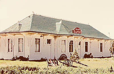 Sign Photograph - Big L Railroad Station by Marilyn Hunt