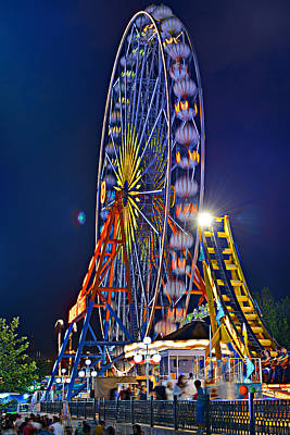 Photograph - Big Wheel by Okan YILMAZ