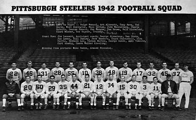 Pittsburgh Steelers Photograph - Pittsburgh Steelers by Retro Images Archive