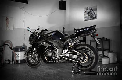 Photograph - Black 2007 Honda Cbr1000rr by RicardMN Photography