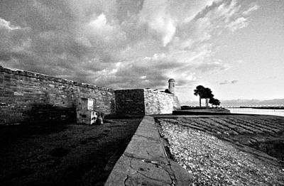 Black And White Castillo De San Marcos View 4 Art Print
