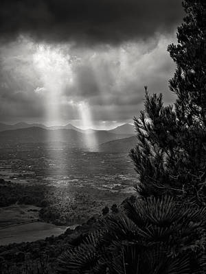 Black And White Photograph - Black And White Mallorca by Alexander Voss