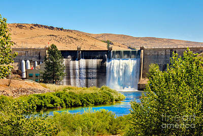 Photograph - Black Canyon Dam by Robert Bales