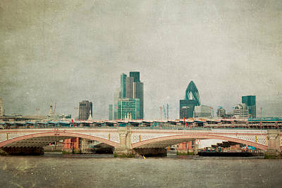 Blackfriars Bridge Art Print by Violet Gray