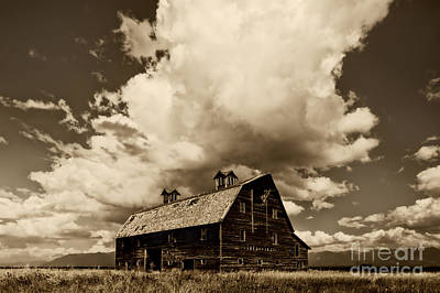 Abandoned Ranch Photograph - Blasdel Barn by Mark Kiver