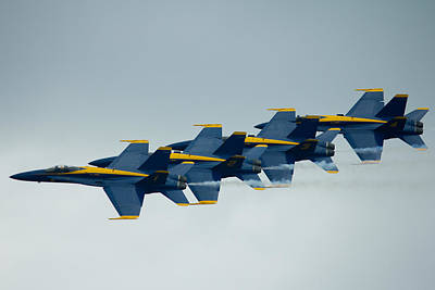 Photograph - Blue Angels Flying Chain by Jose Oquendo
