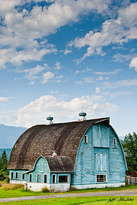 Blue Barn In The Stillaguamish Valley Art Print