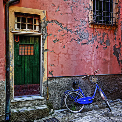 Photograph - Blue Bicycle Monterosso Italy Dsc02592  by Greg Kluempers