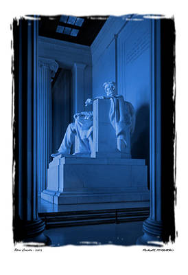 Lincoln Memorial Photograph - Blue Lincoln by Mike McGlothlen