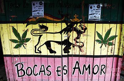Bocas Es Amor Art Print by John Rizzuto