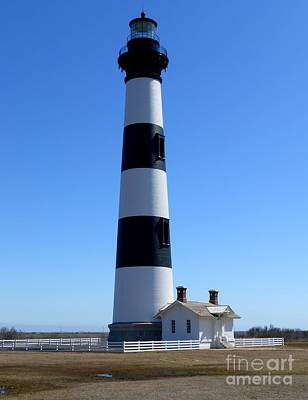 Bodie Island Lighthouse Art Print by Lesley Giles