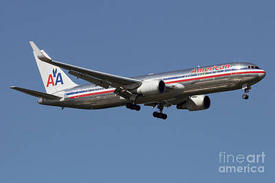 Landmarks Royalty Free Images - Boeing 767 Of American Airlines Royalty-Free Image by Luca Nicolotti