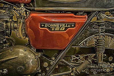 Iphone Photograph - Bonneville 750 Triumph by David Millenheft