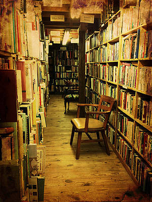 Photograph - Bookworm Hideaway by Richard Reeve