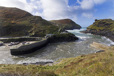 Boscastle Harbour Cornwall Art Print by Chris Smith