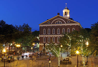 Quincy Market Photograph - Boston Faneuil Hall by Juergen Roth