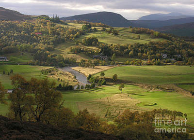 Photograph - Autumn At Braemar by Phil Banks