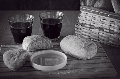 Photograph - Bread Wine And Basket Bw by Wayne Meyer
