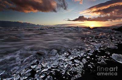 Photograph - Breaking The Ice by Roddy Atkinson