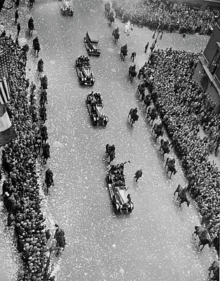 Photograph - Bremen Flyers Parade by Underwood Archives