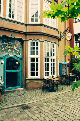 Bremen Photograph - Bremen Schnoor Cafe by Pati Photography