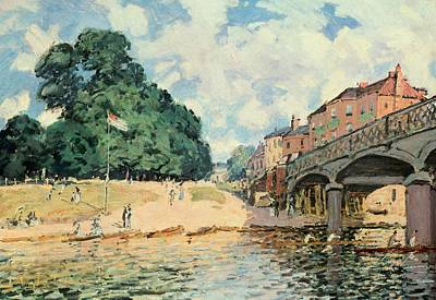 Flagpole Painting - Bridge At Hampton Court by Alfred Sisley