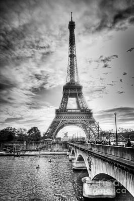 Bridge To The Eiffel Tower Art Print