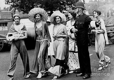 Photograph - British Fashion - 1930's by Reproductions