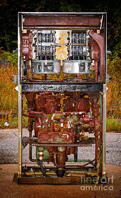 Photograph - Broken And Abandoned Fuel Pump by Les Palenik