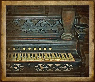 Photograph - Broken Keys by Judy Vincent