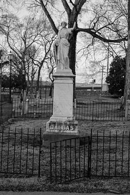 Photograph - Broken Statue On Tombstone by Robert Hebert