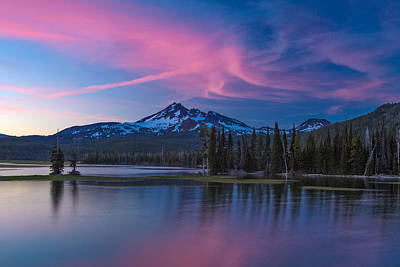 Redmond Photograph - Broken Top At Sunset by Patricia Davidson