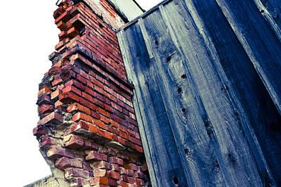 Digital Art - Broken Wall by Audreen Gieger