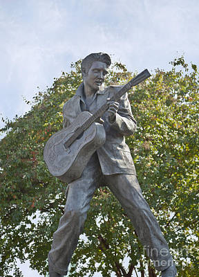 Photograph - Bronze Elvis by Liz Leyden