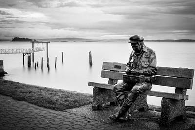 Photograph - Bronze Fisherman by John McArthur