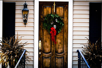 Photograph - Brown Christmas Door by Audreen Gieger