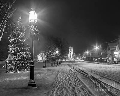Streetlight Photograph - Brunswick Maine by Benjamin Williamson