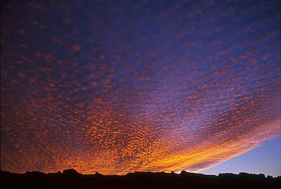 Bubbly Sunset Over Moab Rim Art Print by Duncan Mackie