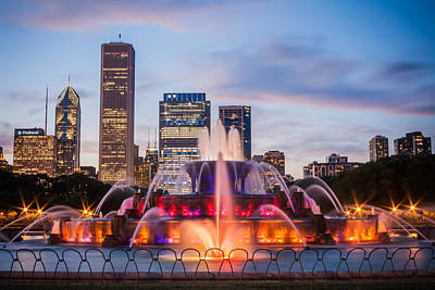 Photograph - Buckingham Fountain And The Chicago Skyline by Anthony Doudt